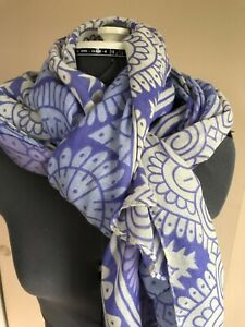 """Unbranded women ? polyester purple and white print 32"""" X 72"""" scarf wrap"""