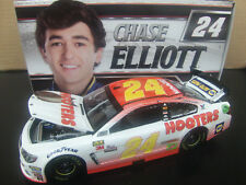 Chase Elliott 2017 Hooters #24 Chevy SS 1/24 NASCAR Monster Energy Cup