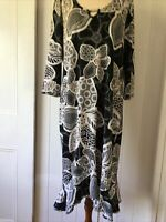 Sandra Soulos size 14 Black White Floral Print SHift Dress 3/4 sleeve scoop neck