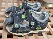 Boys Sandals Closed toe Size 9