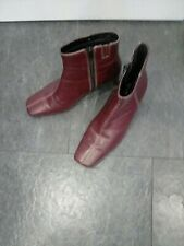 Clarks ladies ankle boots size 5 burgundy/maroon leather