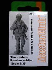 Figura la moderna SOLDATO RUSSO, MCF 35021, 1:35, MasterClub
