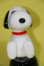 Snoopy Peanuts Charlie Brown Schmid Ceramic Music Box/Figurine