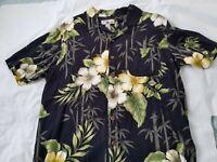 Caribbean Joe 100% Rayon Hawaiian Shirt Size M Short Sleeve