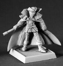 Pathfinder Miniatures Reaper 60076 Gray Gardener