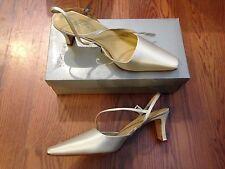 Grace Stella Candlelight Silk Formal Wedding Shoes Closed Toe Pumps ~ Sz 9.5 NIB