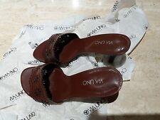 Zapato de Vestir VIA UNO, horma 39 , descubierto. Tacón de 8 cm.
