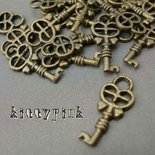 20 Cute Antique Gold Bronze Plated Key Charms Pendant Alice in Wonderland