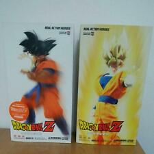 Lot of 2 MEDICOM RAH DRAGON BALL Z GOKU & SUPER SAIYAN ACTION FIGURES JP