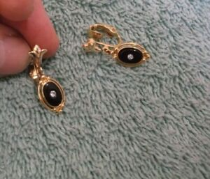Vintage Avon Goldtone Clip-On Earrings ~ Faux Black Onyx With A Rhinestone