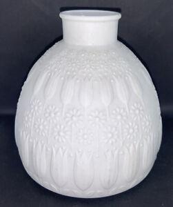 """MCM Modernist Sculptural Art WHITE BISQUE 4.5"""" Vase NANNY STILL by Heinrich"""
