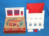 VINTAGE PLASTICVILLE FIRE HOUSE KIT FOR MINIATURE RAILROADS WITH BOX - UNUSED