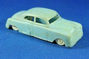 Plasticville - O-O27 - V-10 Vehicles - 1 Turquoise Auto - Good Condition