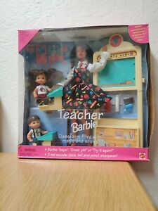 Vintage Barbie Teacher Students Doll Set Hispanic Mattel 1995 in Original Box