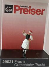 """Preiser 29021 Spur H0 Einzelfigur, """"Frau in Gutachtaler Tracht"""" #NEU in OVP#"""