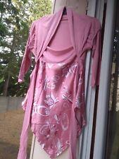 Tunique manches longues rose, haut boléro bas satin fleuri, taille 38/40