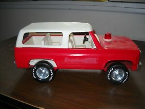 """VINTAGE NYLINT RED FIRE CHIEF 12"""" CHEVY BLAZER #615, GREAT CONDITION, HAS SIREN"""