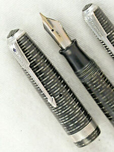 "VINTAGE 1942 SILVER PEARL STRIPED PARKER VACUMATIC ""LONG MAJOR"" FOUNTAIN PEN SET"