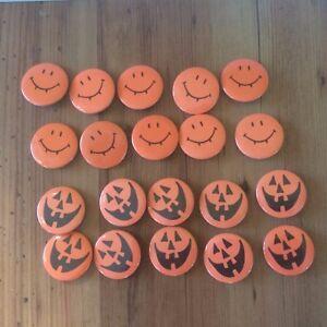 NEW 20 Vintage Hallmark Pinback Jack-o-lantern Pumpkin Vampire Halloween Pin