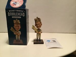 Mickey mantle bobblehead 2016 New York Yankees Triple crown With Box