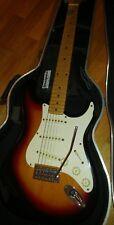 Chitarra elettrica amplificatore e custodia