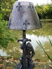 65206 D   LAMPE  MEDIEVAL ARMURE CROISE CHEVALIER FIGURINE LUMINAIRE  RESINE