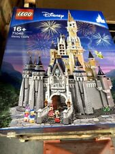 LEGO 71040 The Disney Castle 4080 pieces  New Factory Sealed ( Box crease)