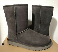 UGG CLASSIC SHORT II BLACK OLIVE SHEARLING LINE BOOT US 9 / EU 40 / UK 7 - New