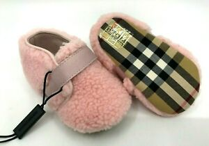 Burberry NEW Baby Girl Ice Pink Sherpa and Classic Check Crib Booties  EU15