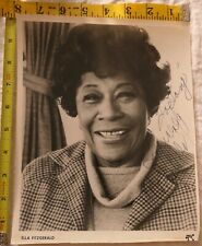 ELLA FITZGERALD JAZZ SINGER SIGNED AUTOGRAPH PHOTO