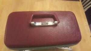 Vintage Burgundy Samsonite Sentry Train Case W/Make Up Mirror No Key