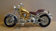 Maisto 1:18th Scale motorcycle moto Harley Davidson Gold