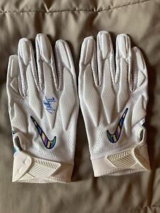 Tyrell Williams Signed Game Used/Worn NFL Nike Crucial Catch Gloves