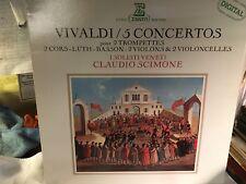 I SOLISTIVENETI  VIVALDI /5 Concertos  pour 2 trompettes 2 CORS Luth BASSON