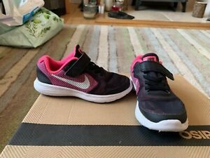 Girls Nike Trainers UK size 11 Pink & Black