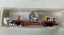 N SCALE MP 40' Depressed center metal flat W/ SEARCHLIGHT & 2 FIGURES IN BOX