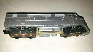 Vintage Unbranded Undecorated F-7A locomotive HO (8590)