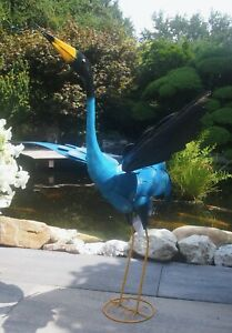 Kranich, Reiher. Vogelskulptur aus Metall für Wohnraum und Garten