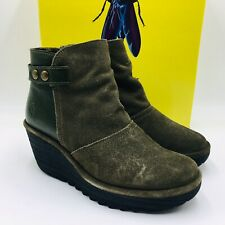 FLY London Women's Yuro Wedge Ankle Boot Size 38W Sludge/Green Suede, MSRP $200
