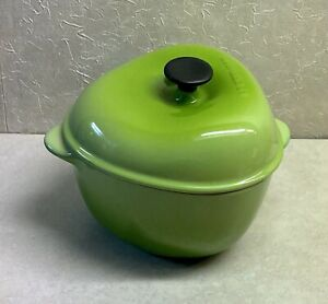 """4"""" Le Creuset Green Small Petite 3 Sided Casserole w Lid"""