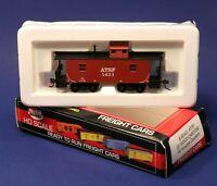 """Model Power HO ATSF Santa Fe X2F 32"""" Wood Sided Caboose Car w/ Knuckles 99145"""