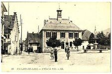 CPA 38 Isère Vercors Villard-de-Lans L' Hôtel de Ville animé