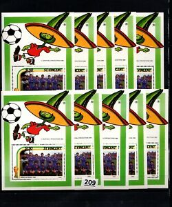 /// 10X ST.VINCENT - MNH - SPORTS - SOCCER - WOLRD CUP - MEXICO 1986