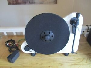 Pro-Ject VT-E BT R Vertical Turntable with Bluetooth Output - White