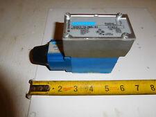 Vickers DG4V3-7A-MWB-40 Hydraulic Directional Valve D03  120 Volt Coil
