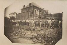 26587 Foto AK 1. Weltkrieg Soldaten vor Ziegelbau Gortemark 1916 PC CPA WW I