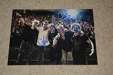 The Hooters SIGNED AUTOGRAFO 20x28 cm in persona Johnny B 80er POP