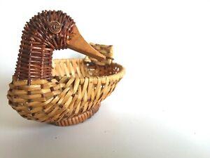 Cane basket duck