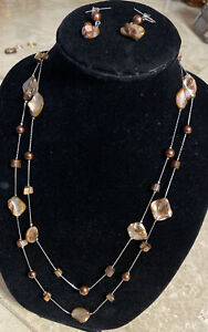 Natural Shell Mother of Pearl Necklace & Earrings Set Brown Color.
