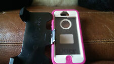 iPhone 5/5s Otterbox Defender Case With Belt Clip in Pink or Black!
